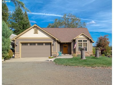 Roseburg Single Family Home Bumpable Buyer: 241 Youngs Ln