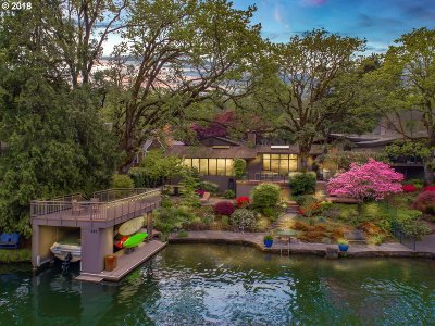 Lake Oswego Single Family Home For Sale: 943 Lake Front Rd