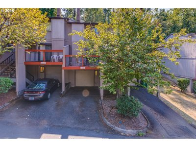 Wood Village Condo/Townhouse For Sale: 24004 NE Treehill Dr