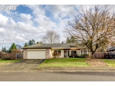 Beaverton, Aloha Single Family Home For Sale: 900 SW 167th Pl