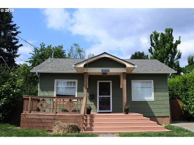 Portland Single Family Home For Sale: 1931 SE Ellis St