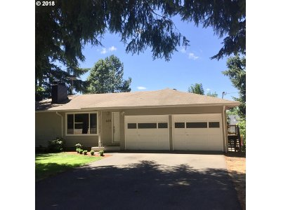 Gresham Single Family Home For Sale: 635 SE Williams Rd