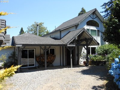 Coos Bay Single Family Home For Sale: 92651 Heather Ln