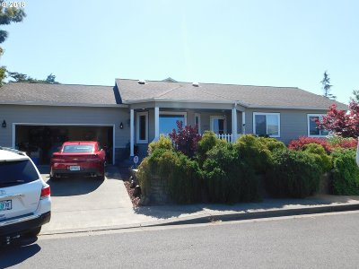 Coos Bay Single Family Home For Sale: 693 Fillmore St