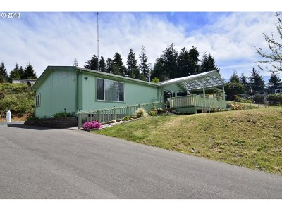 Coos Bay Single Family Home For Sale: 62989 Cicada Ln