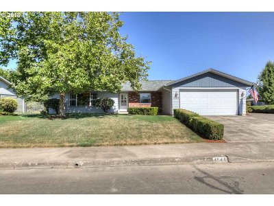 Single Family Home For Sale: 4546 Shawn Ct