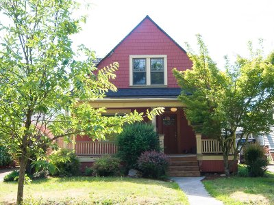 Portland Single Family Home For Sale: 4827 SE 72nd Ave