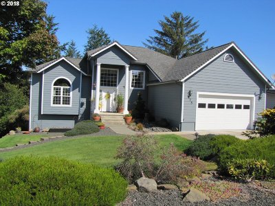 Coos Bay Single Family Home For Sale: 975 N 7th Rd