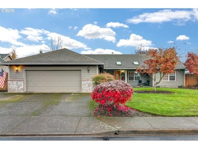 McMinnville Single Family Home For Sale: 1446 NE Hoffman Dr