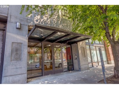 Condo/Townhouse For Sale: 411 NW Flanders St #407