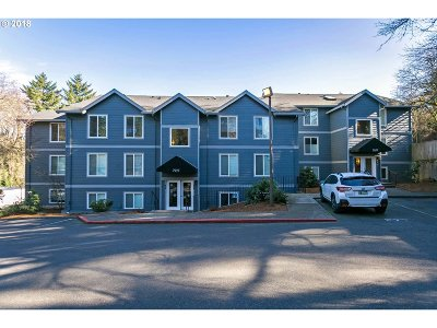 Portland Condo/Townhouse For Sale: 7937 SW 40th Ave #H
