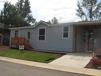 Canby OR Single Family Home For Sale: $109,900