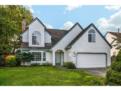 Beaverton Single Family Home For Sale: 17320 NW Woodmere Ct