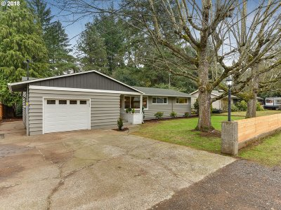 Lake Oswego Single Family Home For Sale: 16224 Lake Forest Blvd