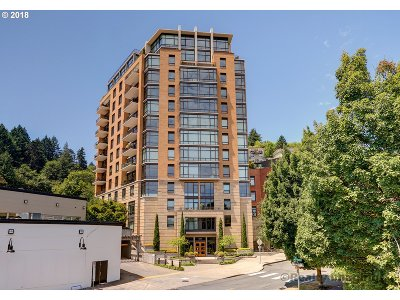Portland Condo/Townhouse For Sale: 2351 NW Westover Rd #807
