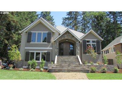 Lake Oswego Single Family Home For Sale: 17626 Kelok Rd