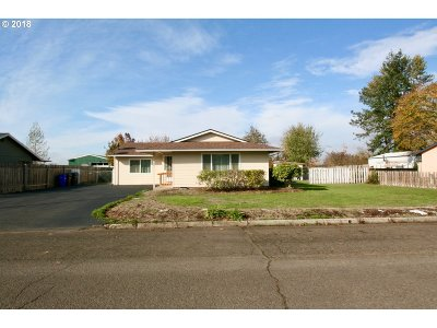 Molalla Single Family Home For Sale: 504 S Cole Ave