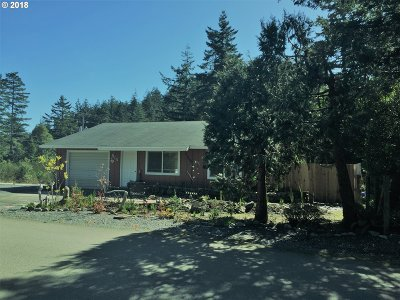 Port Orford Single Family Home For Sale: 915 Twelfth St