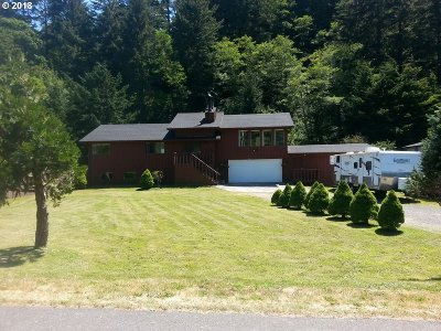 Gold Beach Single Family Home For Sale: 94478 Meyers Rd