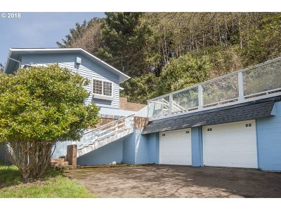 Lincoln City Single Family Home For Sale: 1961 NE 67th St