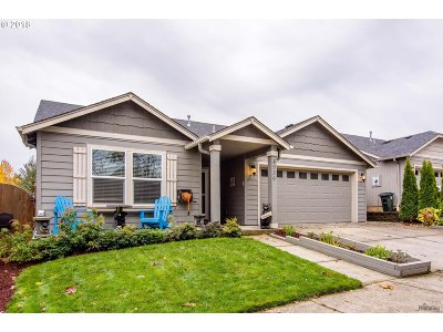 Springfield Single Family Home For Sale: 4939 Glacier Dr