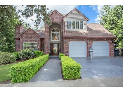 West Linn Single Family Home For Sale: 2440 Tipperary Ct