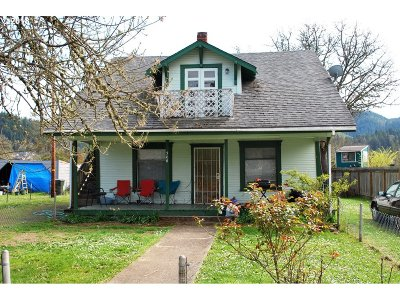 Sutherlin Multi Family Home For Sale: 368 E Dean Ave