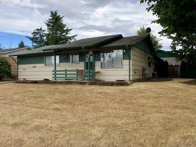 Woodburn Single Family Home For Sale: 1680 Rainier Rd