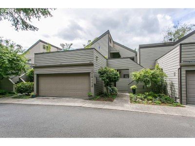 Tigard Condo/Townhouse For Sale: 17013 SW Versailles Ln
