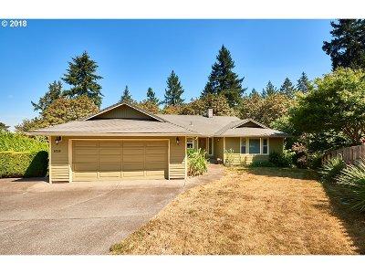 Milwaukie Single Family Home For Sale: 16230 SE Dagmar Rd