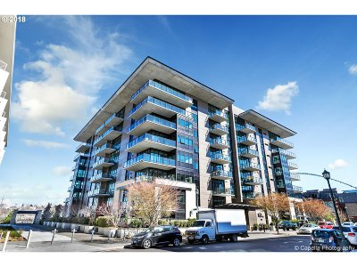 Condo/Townhouse For Sale: 1830 NW Riverscape St #607