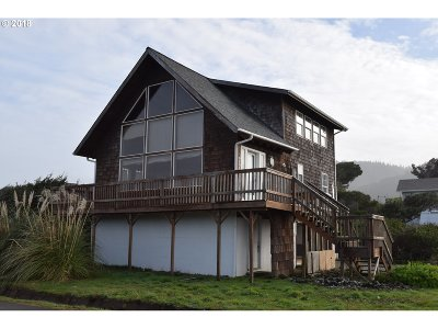 Gold Beach OR Single Family Home For Sale: $295,000