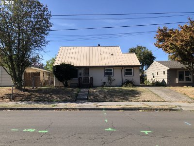 Single Family Home For Sale: 8715 N Fiske Ave