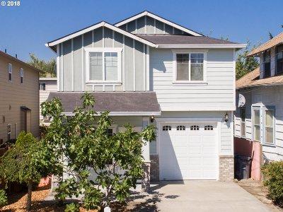 Portland Single Family Home For Sale: 7125 SE Lafayette St