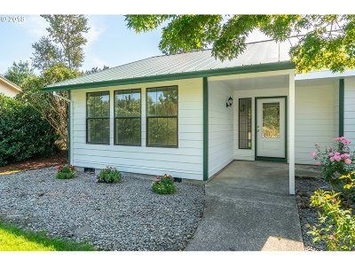 Troutdale Single Family Home For Sale: 1216 SE 20th Way