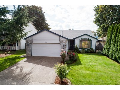 Clackamas Single Family Home For Sale: 15092 SE Pinegrove Loop