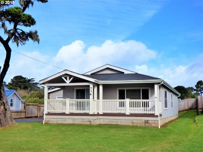 Bandon Single Family Home For Sale: 736 12th St