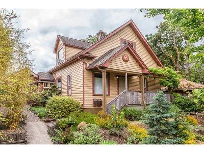 Single Family Home For Sale: 1668 SE Nehalem St