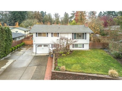Beaverton Single Family Home For Sale: 14180 SW Windjammer Ct