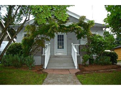 Single Family Home For Sale: 7339 N Willamette Blvd