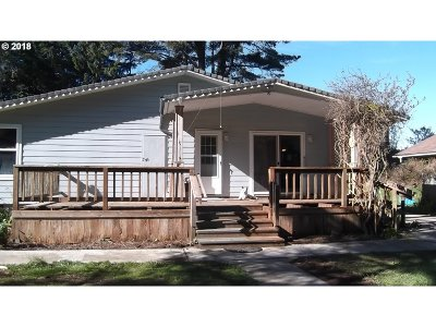 Bandon Single Family Home For Sale: 48846 Hwy 101