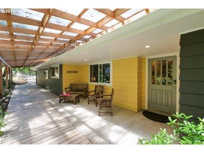 Eugene Single Family Home For Sale: 29087 Gimpl Hill Rd