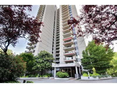 Condo/Townhouse For Sale: 2221 SW 1st Ave #621