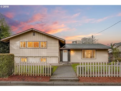 Canby Single Family Home For Sale: 393 S Knott St