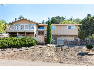Roseburg OR Single Family Home For Sale: $315,000