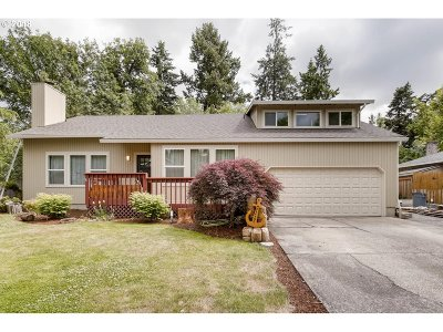 Beaverton Single Family Home For Sale: 15580 SW Bridle Hills Dr