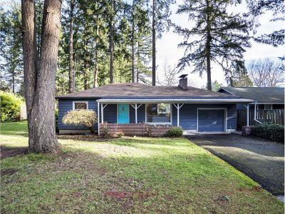 Lake Oswego OR Single Family Home For Sale: $400,000