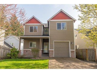 Single Family Home For Sale: 14418 SE Ellis St