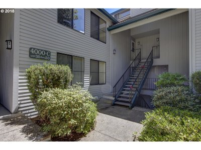 Lake Oswego Condo/Townhouse For Sale: 4000 Carman Dr #C-49