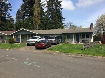 Eugene Multi Family Home For Sale: 580/584 Cinderella Loop
